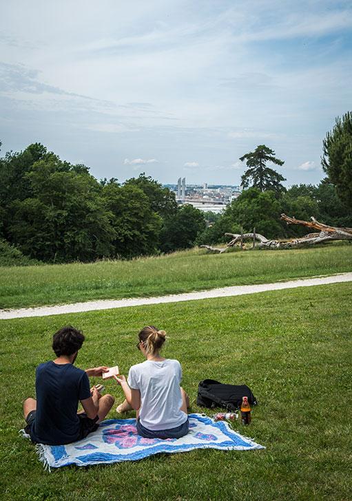 Picnique au Parc Palmer avec vue sur l'aglormération (c) C. Goussard
