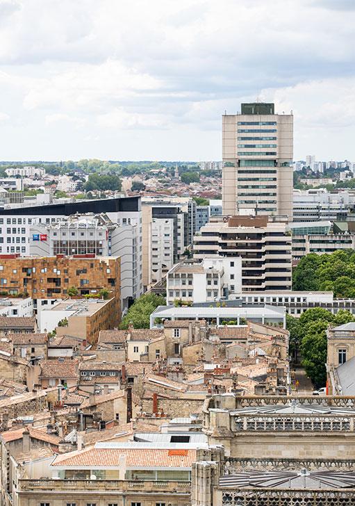 Vue sur Bordeaux et l'hôtel de Métropole